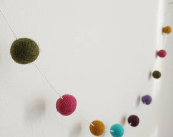 Pompom garland - stylish room decoration, boys bedroom decor baby shower gift, new baby gift, new home gift, home decor