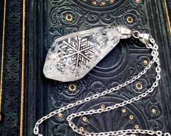"Pendant ""Winterland"" snowflake resin silver necklace"