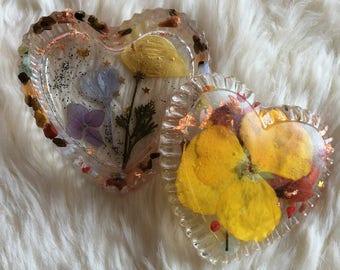 Trinket Box, Heart Trinket Box, Resin Trinket Box, Flower Trinket Box, Floral Resin Trinket Box with Crystals