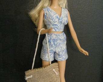 Barbie doll clothes-shell hunting