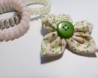 Flower shape hair clip, green button clip, floral hair accessories, birthday gift, mothers day gift, unusual hair clip, pink hair clip