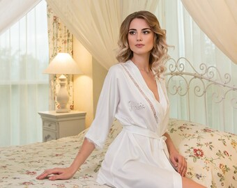 Handmade Bridal Robe ''Charm'' from NYC Bride, made in Europe
