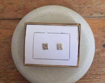 Hammered Silver square stud earrings 5 mm