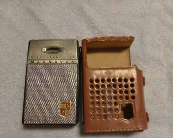 Antique Magnavox AM-80 Portable Transistor Radio with Case (Works)