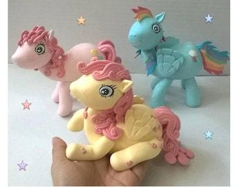my little pony, cake topper pony, ponies, ponys cake topper, pony figure, three ponies, ponys, pony porcelain cold, ponies topper, pony cake