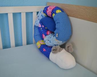 Bed Snake nest cuddly animal