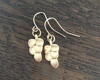 Matte gold earrings leaf