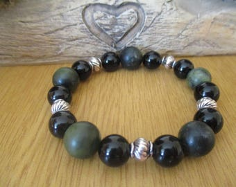 Green Agate and Black Onyx Bracelet with Silver Coloured Tibetan Beads