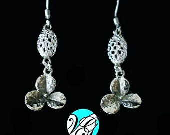 Simple earrings with 925 Silver flower