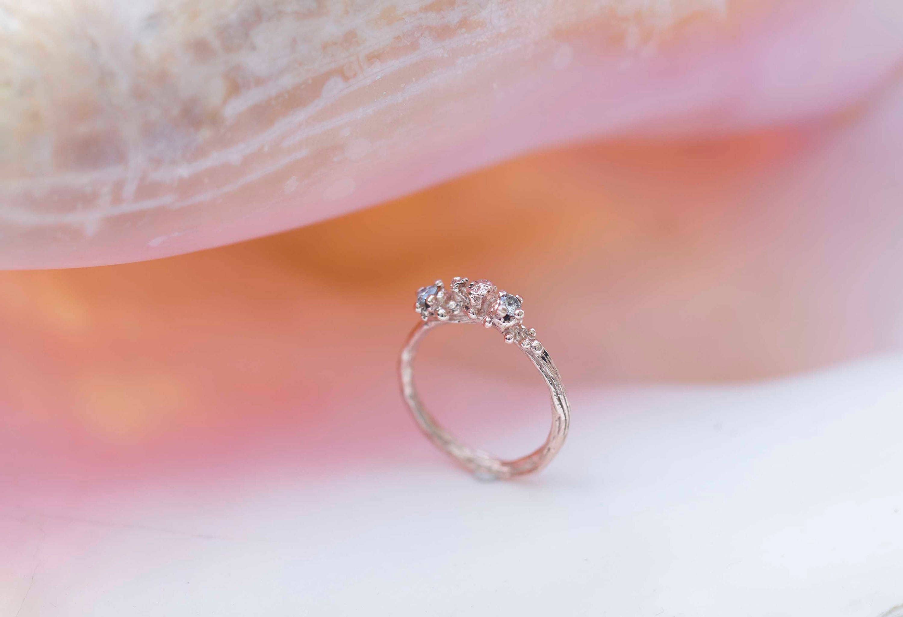 Berries Doublet ring,14carat rosegold, salt and pepper or champagne ...