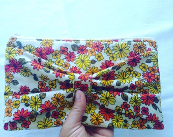 Bow clutch, clutch, sustainable fashion, slow fashion, bow purse, upcycled clutch, zippered pouch, pencil case, casual clutch, makeup pouch