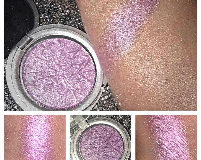 TWISTED LILAC - LIMITED Edition highlighter / eyeshadow - duochrome sparkly pink and purple