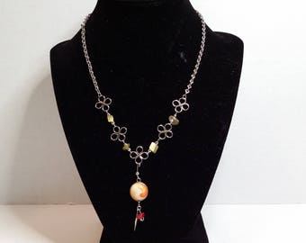 Necklace with gemstones and beads