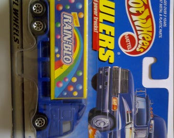 Hot Wheels Haulers Rainblo New on card