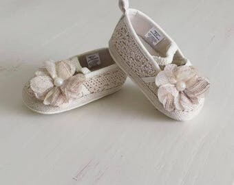 Summer baby shoes ** Crocheted shoes ** Wedding shoes