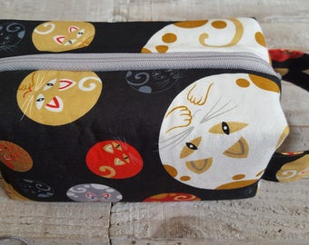 Medium Sized Project Bag for Knitting or Crochet; Box Bag; Toiletry or Makeup Bag - Round Kitties