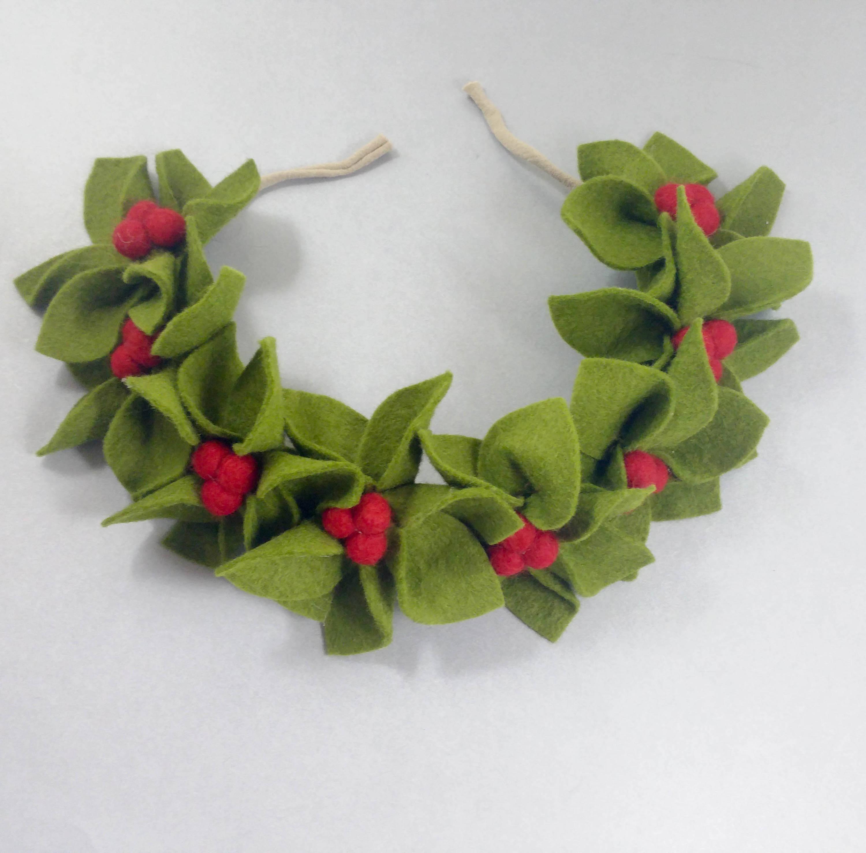 Holly crown christmas flower crown christmas headband felt holly crown christmas flower crown christmas headband felt wreath headband felt leaf izmirmasajfo