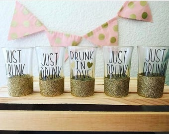 Drunk In Love // Just Drunk glitter dipped shot glasses // bachelorette party // bridesmaids gifts // bridal party gifts // wedding