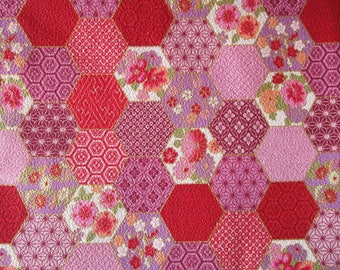 coupon 50 x 55 cm fabric Japanese chirimen red Hexagon patchwork