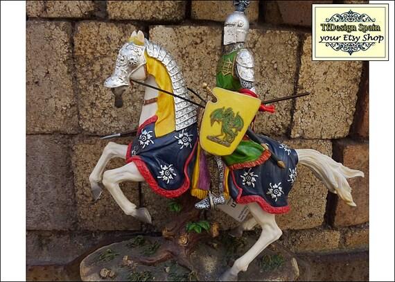 Medieval Knight statue, Medieval statue, Medieval Knight statue for sale, Medieval Knight armor statue, Medieval Knight on horse statue