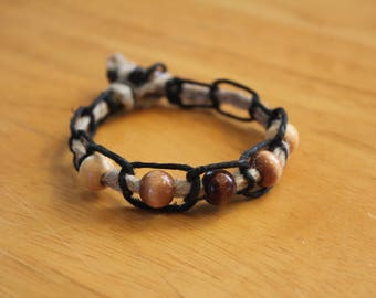 Neutral Colored Bracelet With Black and Beige Hemp and Wooden Beads - Inexpensive Gift Idea - Comfortable and Causal Jewelry