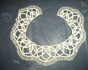 superb quality ecru lace collar