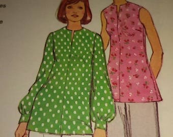 With or without sleeves tunic size 40/french vintage pattern