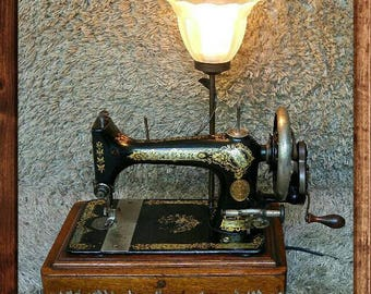 Unique | Singer Antique Sewing Machine | Elizabeth New Jersey 1900 | Table Lamp Lighting | Working Light & Sewing Machine | FREE Shipping*