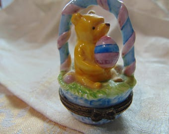 "Classic Midwest of Cannon Falls  Winnie the Pooh sitting in Easter Basket""Silly Old Bear""trinket box"