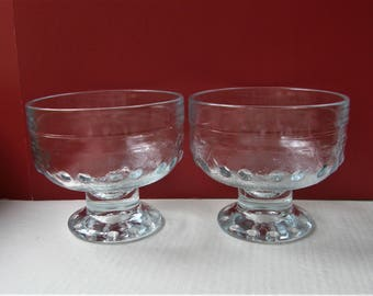 A Set Of Two KIRSI (Kirsikka) Dessert Bowls Designed By Nanny Still In The Seventies For Riihimäen Lasi
