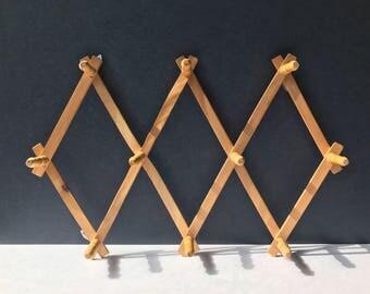 Wooden Accordion Peg Rack - Expandable Vintage Wood Hat Rack / Jewelry Organizer / Wall Organizer / Collapsible Peg Rack