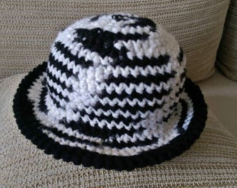 Winter Lady Hat / Black and White Beanie //  Winter Fashion Women's Crocheted beanie hat // Handknitted Hat // Lady Hat // Beanie Hat