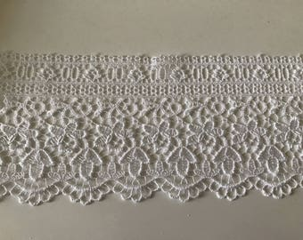 9 cm wide white guipure lace quality