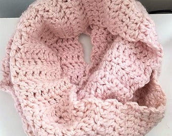 Chunky Knit Scarf in Pale Pink