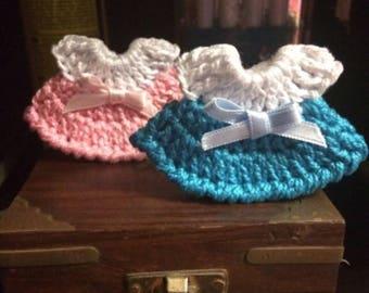 Hand-made thread crochet miniatures