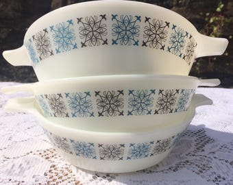 Vintage 1960s Pyrex 'Chelsea' small dishes set of 3, blue/ grey design