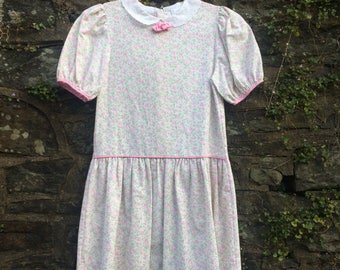 Vintage Floral, Capped Sleeve girls dress, size 7-8