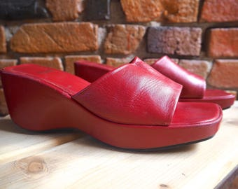 Women's 90s Pegabo Red Leather Slip Ons Wedges Mules Sandals Size US 10.5