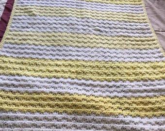 Crochet yellow and white blanket