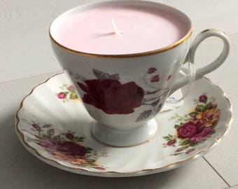 Vintage teacup and saucer candle