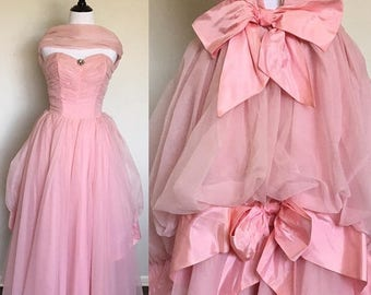 ON SALE SALE! | Pink Frosting Gown | 1950s Vintage Strapless Pink Chiffon Gown with Double Bow Bustle, Brooch, + Wrap | Size S/M