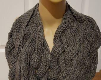 Braided crocheted Scarf-grey
