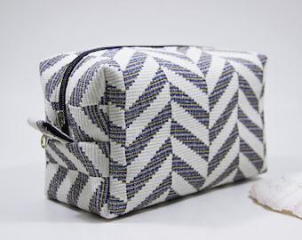 Cute Brilliant Makeup Bag, Bridesmaid Gift, Cosmetic Bag, flowers Makeup Bag, Small Travel Bag