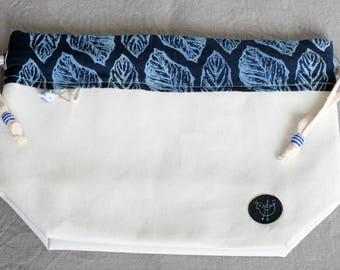 Leaf indigo print - Medium drawstring bag