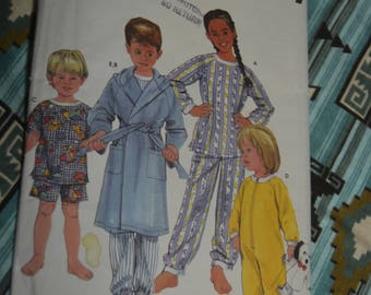 Simplicity 5874 Toddlers and Childs Girls - Boys Sleepwear and Robe Sewing Pattern - UNCUT  Size 3 4 5 6