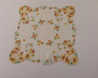 Vintage Handkerchief  - Yellow Daisies and Scalloped Edges