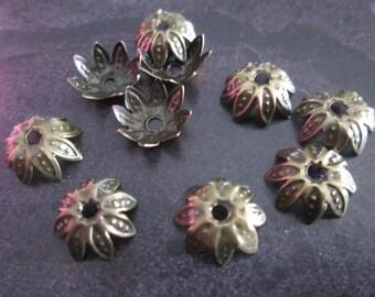 100 bead caps / bronze bead caps with 10 mm in diameter