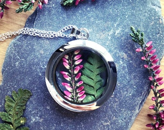 Summer heather locket, real flower necklace, flower pendant, terrarium, botanical jewelry, heather necklace, fern pendant, Valentine's gift