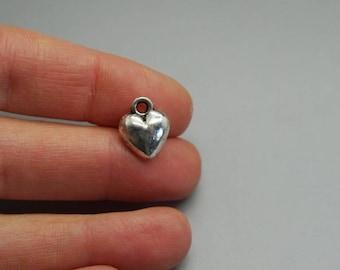Silver charm, minimalist heart, love, love (D24)