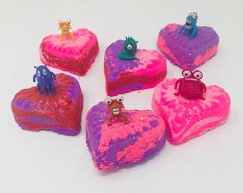 New! 6 4.0 oz Love Bug Kids Heart Inspired Bath Bomb Birthday / Easter Favor Sets/Class Party Gifts With Toy Figures Inside